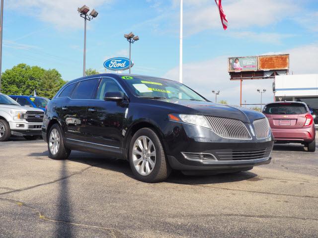 2016 Lincoln MKT Standard