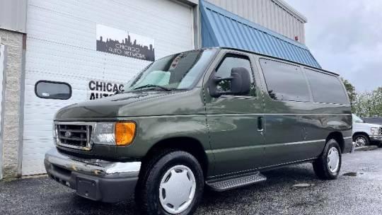 2005 Ford Econoline Passenger Van E-150 XLT